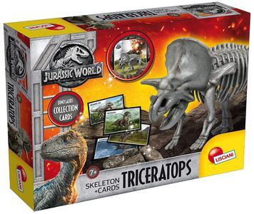Jurassic World Skeleton + Cards In Display Triceratops