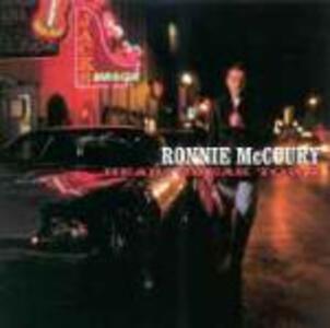 Heartbreak Town - CD Audio di Ronnie McCoury