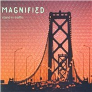 CD Stand in Traffic di Magnified