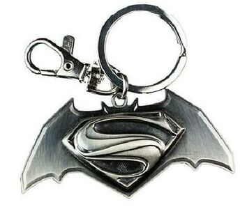Idee regalo Portachiavi Batman v Superman. Logo Black in Peltro TimeCity