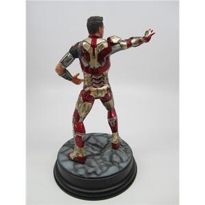 Action Hero Vignette. Iron Man 3 Mark XLII (Battle Damaged Version) (DR38118) - 5