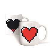 Idee regalo Tazza Pixel Heart Mug Kikkerland