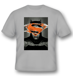 Idee regalo T-Shirt unisex Batman V Superman. Batman Poster 2BNerd