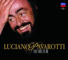 Une Voix En or - CD Audio di Luciano Pavarotti