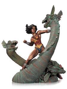 Action Figure Wonder Woman vs Hydra, versione Patina, 18cm. DC DC Collectibles