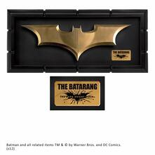 Stemma In Cornice Batman. The Dark Knight Rises. The Batarang