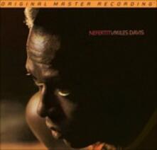 Nefertiti (Stereo) - SuperAudio CD ibrido di Miles Davis