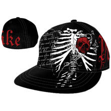 Cappellino Pike. Black Wide Bill With Red Skull Patch