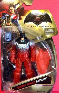 Giocattolo Mattel DVG96. Batman V Superman. Action Figure 15 Cm Thermo Shield Batman Mattel