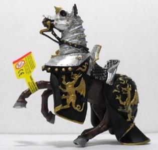Giocattolo Cavalieri. Cavallo con Manto Draghi Nero e Oro Plastoy