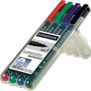 Penna a punta sintetica Staedtler Lumocolor Permanent punta fine 0,6 mm. Confezione 4 colori assortiti