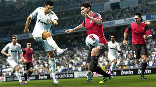 Pro Evolution Soccer 2013 - 8