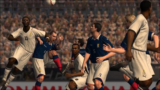 Pro Evolution Soccer 2009 - 13