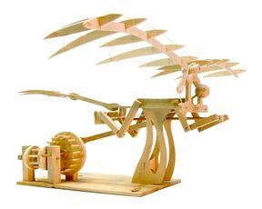 Giocattolo Leonardo da Vinci. Ornitottero Pathfinder