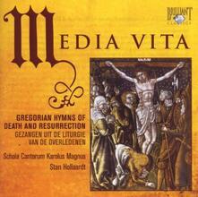 Media Vita. Inni gregoriani di morte e resurrezione - CD Audio di Schola Cantorum Karolus Magnus