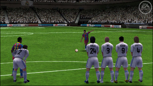 Videogioco FIFA 11 Platinum Sony PSP 5