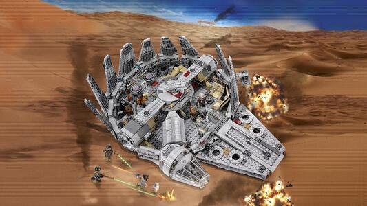 LEGO Star Wars (75105). New Millennium Falcon - 10