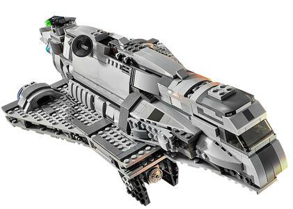 LEGO Star Wars (75106). Imperial Assault Carrier - 4