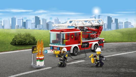 LEGO City Fire (60107). Autopompa dei vigili del fuoco - 6
