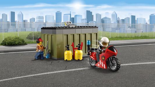 LEGO City Fire (60108). Unità di risposta antincendio - 16
