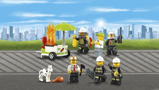 LEGO City Fire (60110). Caserma dei pompieri - 9