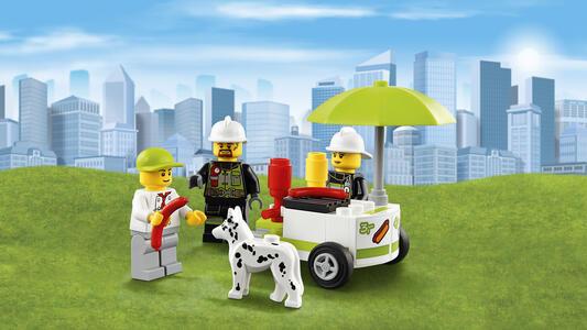 LEGO City Fire (60110). Caserma dei pompieri - 14
