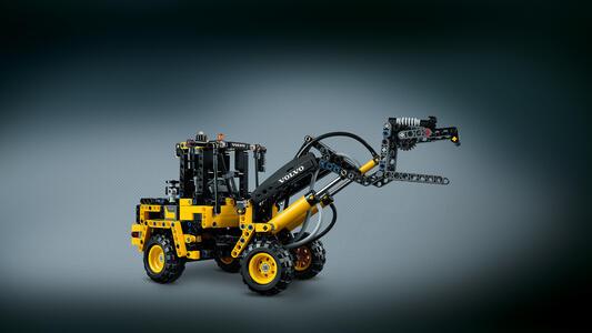 LEGO Technic (42053). Volvo EW 160E - 7