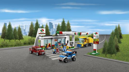 LEGO City Town (60132). Stazione di servizio - 9