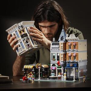 LEGO Creator Expert (10255). Piazza dell'Assemblea - 3