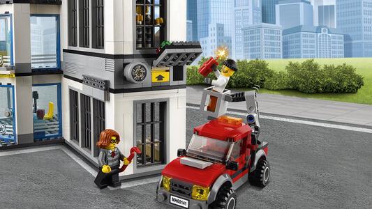 LEGO City Police (60141). Stazione di Polizia - 11