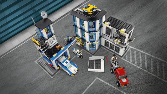 LEGO City Police (60141). Stazione di Polizia - 12