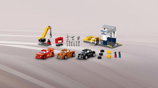 LEGO Juniors (10743). Il garage di Smokey - 10