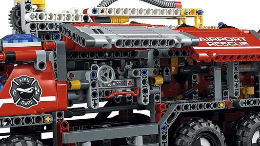 LEGO Technic (42068). Veicolo di Soccorso Aeroportuale - 18
