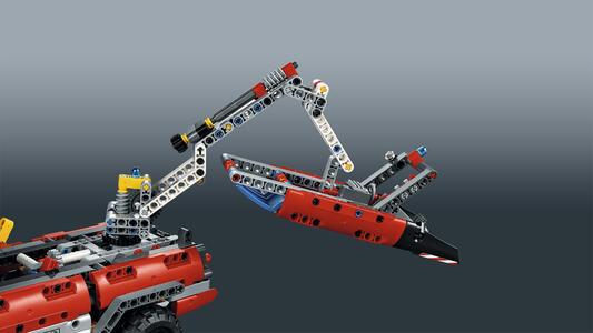 LEGO Technic (42068). Veicolo di Soccorso Aeroportuale - 13