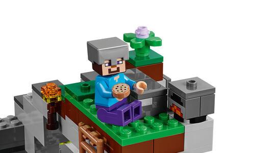 LEGO Minecraft (21141). La caverna dello Zombie - 2