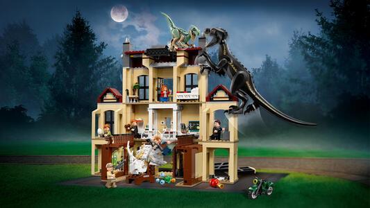 LEGO Jurassic World (75930). Attacco dell?Indoraptor al Lockwood Estate - 5