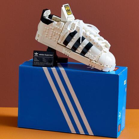 LEGO Icons (10282). Adidas Originals Superstar, Costruzione in Mattoncini, Sneaker da Collezione per Adulti - 6