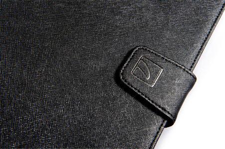 """Custodia universale Tucano Uncino con supporto girevole per tablet da 7"""" e 8"""". Nero - 9"""