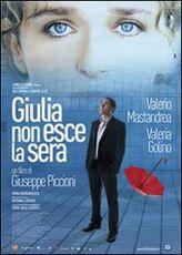 Film Giulia non esce la sera Giuseppe Piccioni