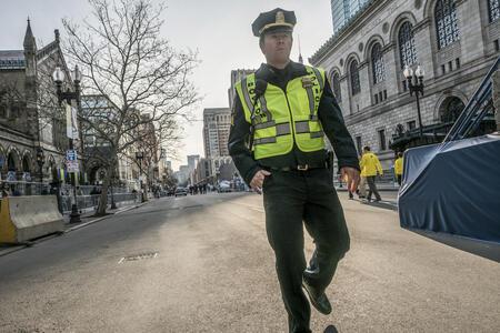 Boston. Caccia all'uomo (Blu-ray) di Peter Berg - Blu-ray - 6