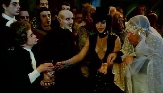 Fracchia contro Dracula (DVD) di Neri Parenti - DVD - 6