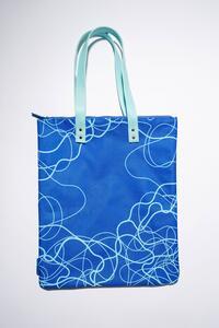 Cartoleria Bag Acqua Blu - Realizzata con fibre di plastica riciclata Open Wor(l)ds
