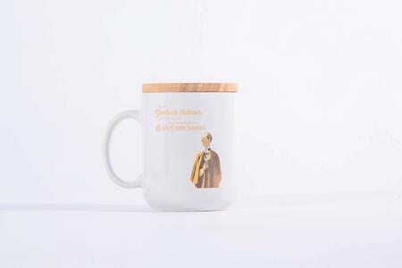 Idee regalo Tazza Mug OpenWorlds Lettura Sherlock Holmes con coperchio Open Wor(l)ds