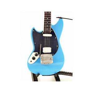 Nirvana. Kurt Cobai. 66 Chitarra Fender Mustang Blue