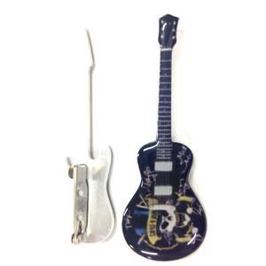 Spilla a forma di chitarra in metallo  Guns and Roses  Tribute