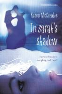 Libro in inglese In Sarah's Shadow  - Karen McCombie