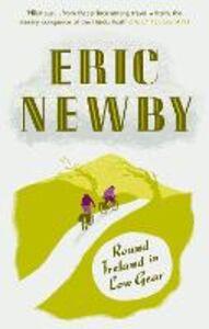 Foto Cover di Round Ireland in Low Gear, Ebook inglese di Eric Newby, edito da HarperCollins Publishers