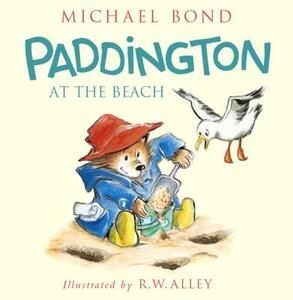 Paddington at the Beach - Michael Bond - cover