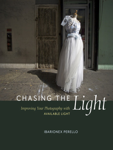 Ebook in inglese Chasing the Light Perello, Ibarionex