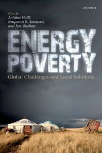 Foto Cover di Energy Poverty: Global Challenges and Local Solutions, Ebook inglese di  edito da OUP Oxford